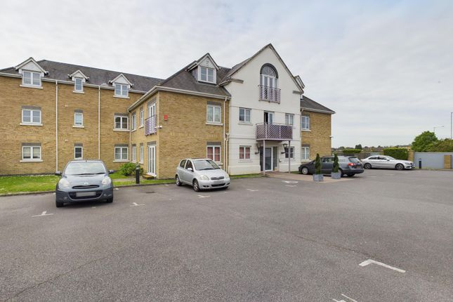 3 bed flat for sale in St. Davids Court, London Road, Ashford, Surrey TW15