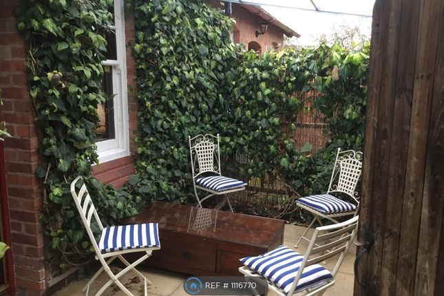 Thumbnail Semi-detached house to rent in Grosvenor Cottages, Handbridge, Chester