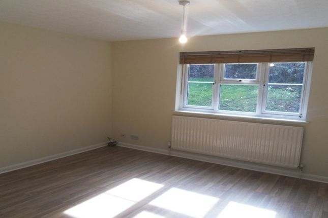 Thumbnail Flat to rent in Longacre Rise, Chineham, Basingstoke