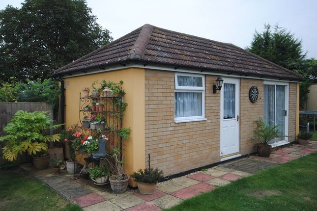 Thumbnail Flat to rent in Meadowside, Braintree