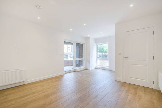 Thumbnail Flat to rent in Harris Street, Camberwell