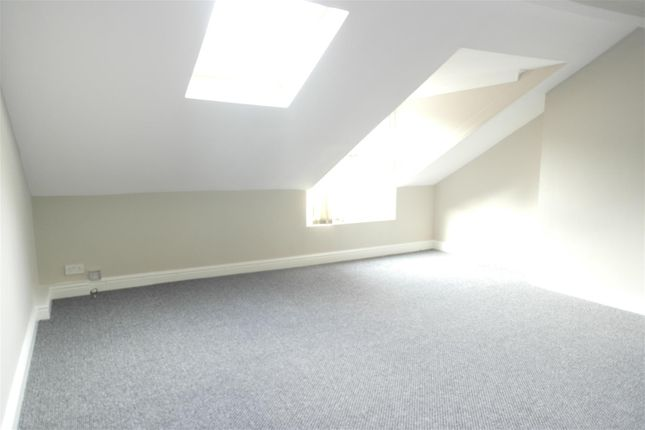 Thumbnail Flat to rent in Pearson Avenue, Hull