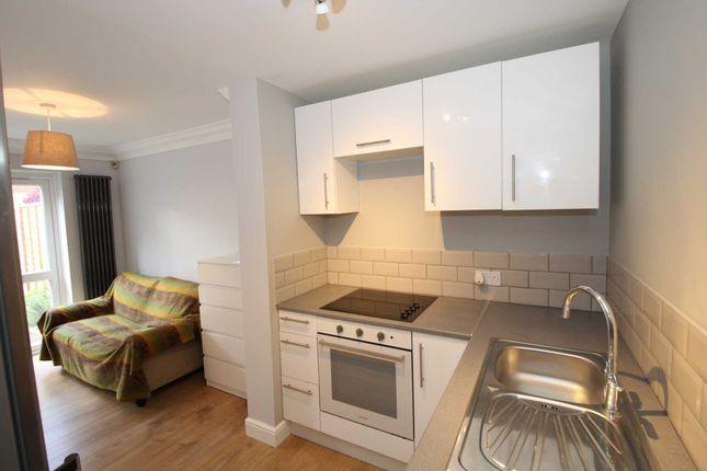 Flat to rent in Halwick Close, Hemel Hempstead