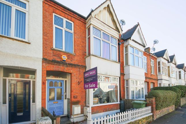 Thumbnail Flat for sale in Royston Road, Penge