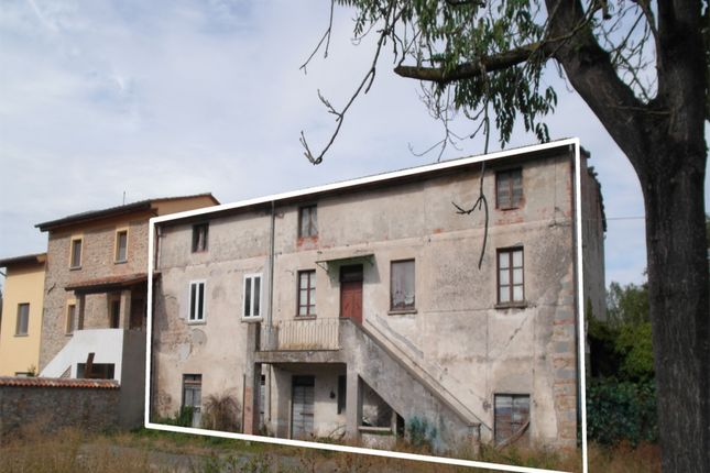 5 bed farmhouse for sale in Il Violino, Sansepolcro, Arezzo, Tuscany, Italy