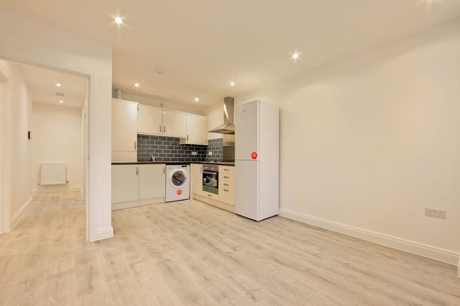 Thumbnail Flat to rent in South End, South Croydon