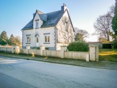 4 bed property for sale in Trebrivan, Côtes-D'armor, France