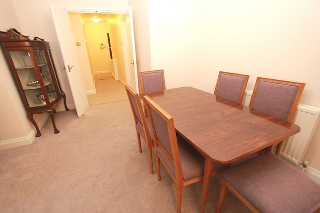 Dining Room of Cedarwood Lodge, Orchard Drive, Edgware, Greater London. HA8