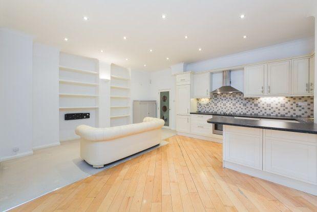 Thumbnail Flat to rent in Pinehurst Court, Colville Road