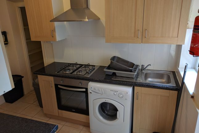 Thumbnail Property to rent in Gwydr Cres, Uplands, Swansea