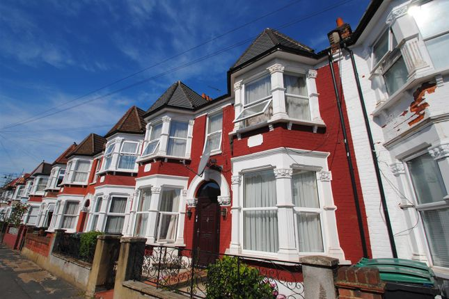 Thumbnail Flat for sale in Whymark Avenue, London