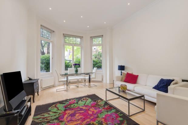 2 bed flat for sale in Eton Avenue, Belsize Park, London
