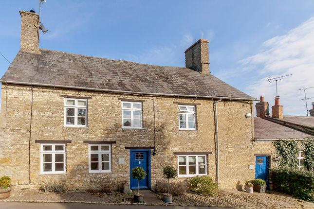 Thumbnail Cottage for sale in St. Peters Road, Brackley, Northamptonshire