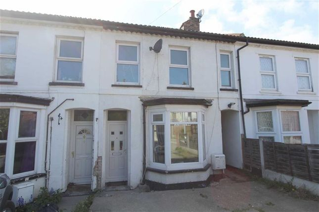 3 bed terraced house to rent in Southchurch Avenue, Southend On Sea, Essex