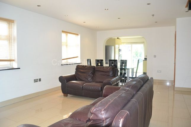 Lounge/Diner of Hodder Drive, Perivale, Greenford, Greater London. UB6