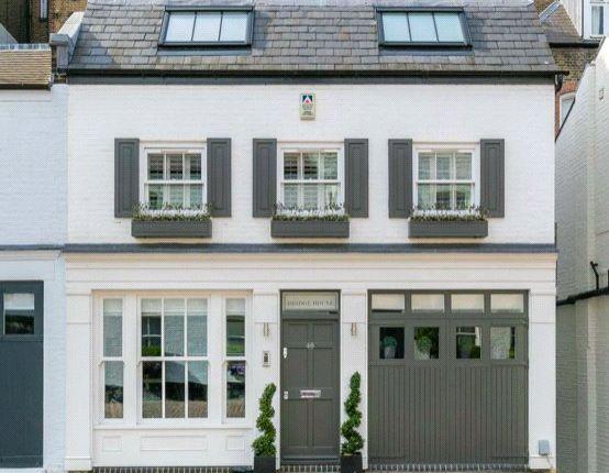 Thumbnail Terraced house for sale in Pont Street Mews, Knightsbridge, London