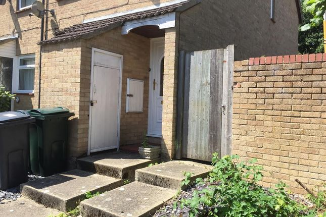 Thumbnail Semi-detached house to rent in Lakemead, Ashford, England