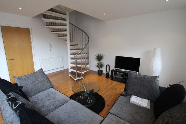 Thumbnail Flat to rent in Dunlop Street, Glasgow