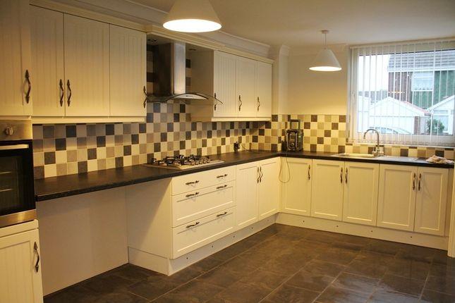3 bed property to rent in Dulverton Close, Bransholme, Hull HU7