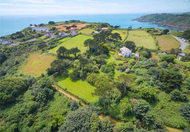 Thumbnail Detached house for sale in Route De Jerbourg, St. Martin's, Guernsey