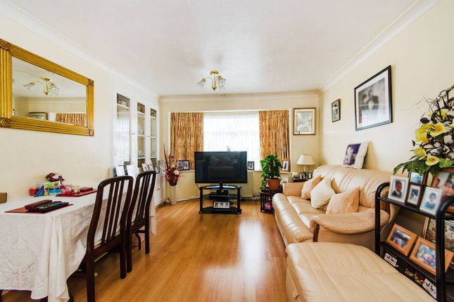 Thumbnail Flat for sale in Lincoln Road, Wembley