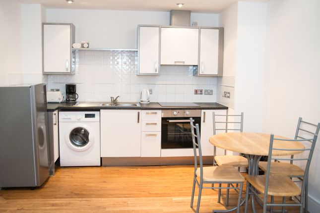 Flat to rent in Temple Square, Temple Street, Liverpool
