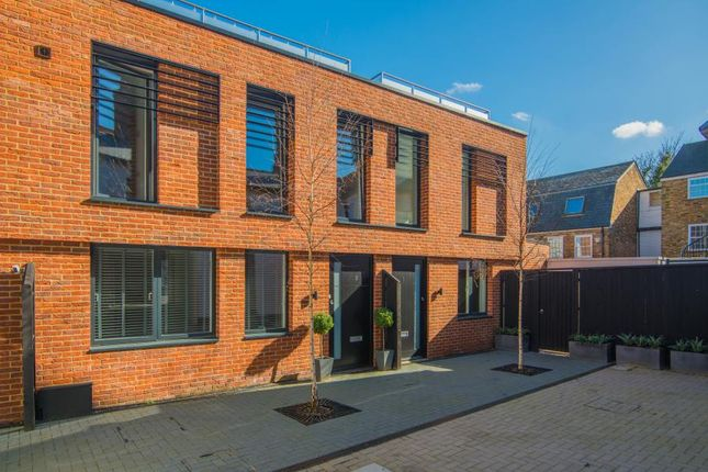 Thumbnail Town house to rent in Old Bakery Mews, Hampton Wick