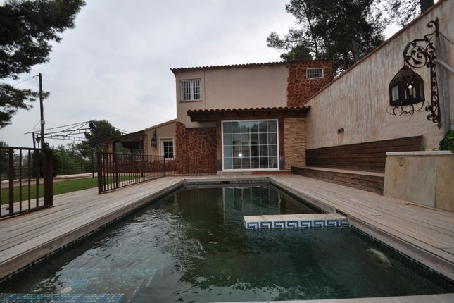 4 bed country house for sale in Elda, Alicante, Spain