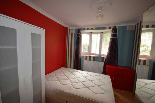 Room to rent in Room 1, Manchester Road E14