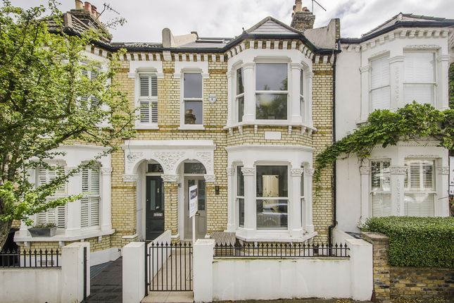 5 bed terraced house to rent in Grandison Road, London SW11