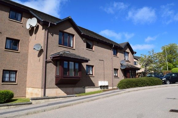 Thumbnail Flat to rent in South Park Court, Elgin