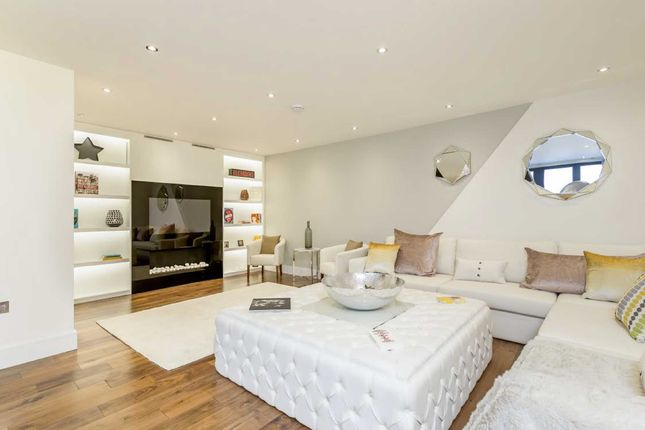 Thumbnail Property to rent in Goldhawk Road, London