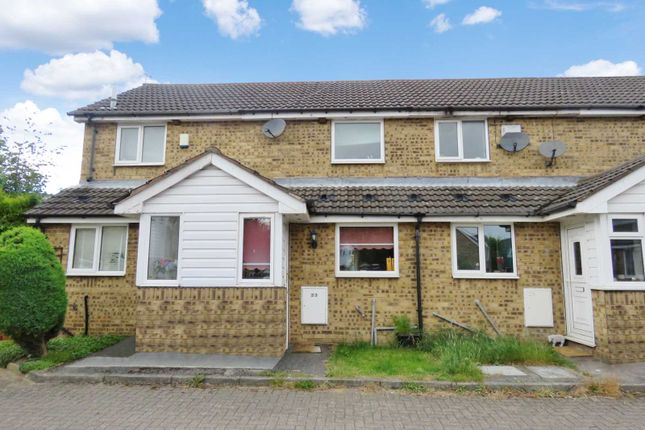 Thumbnail Town house for sale in Oakes Park View, Sheffield