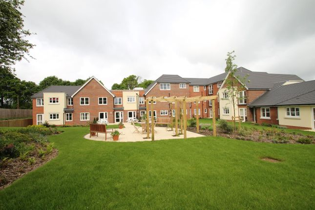 Thumbnail Property for sale in Limpsfield Road, Warlingham