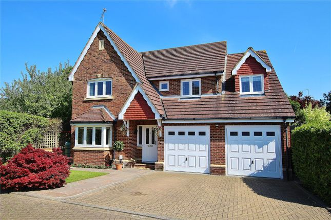 Thumbnail Detached house for sale in Knaphill, Surrey