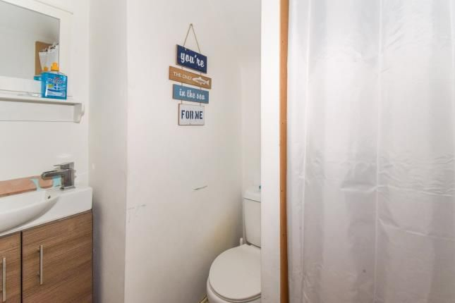 Ensuite of Northfield Avenue, Birstall, Leicester, Leicestershire LE4