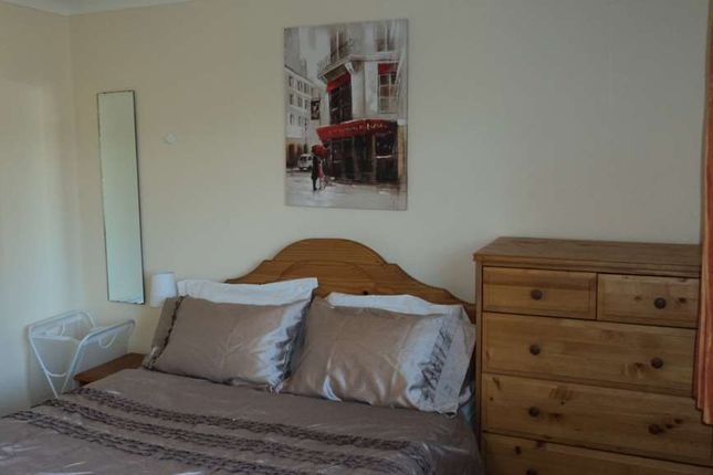 Thumbnail Room to rent in Room 3, 6 Hunts Close, Guildford