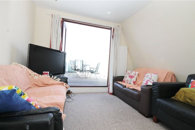 Thumbnail Maisonette to rent in Nutwell Street, London