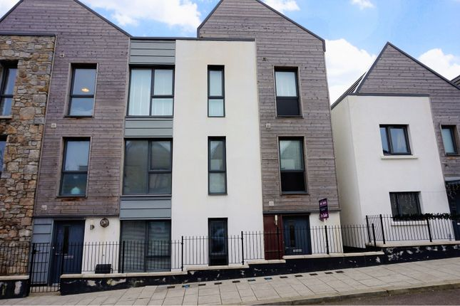 Thumbnail Flat for sale in Tredinnick Way, Pool Redruth