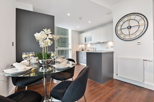 Flat for sale in Harbour Way, Docklands