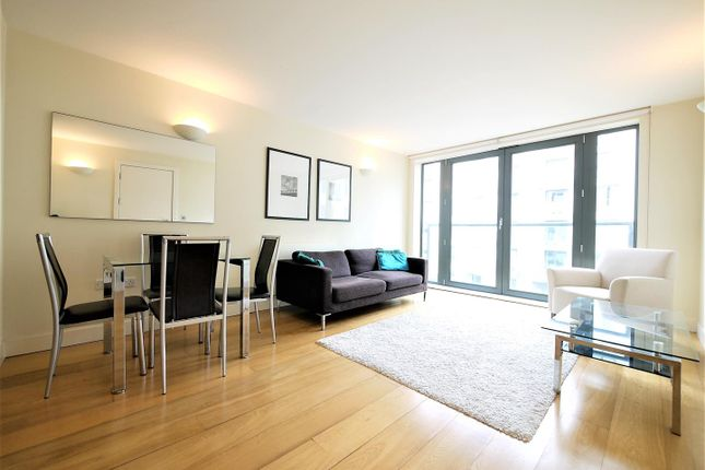 Thumbnail Flat to rent in Gifford Street, Islington