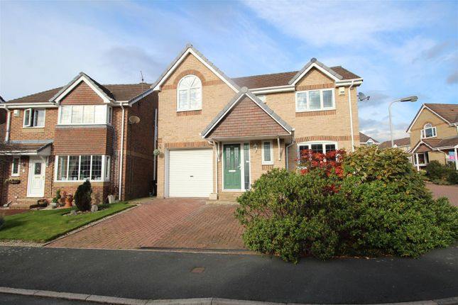 Thumbnail Detached house for sale in Oak Leigh View, Baildon, Shipley