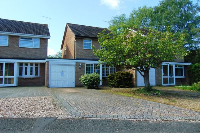 Thumbnail Link-detached house for sale in Birch Avenue, Evesham