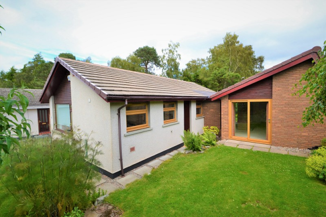 Thumbnail Property to rent in 76 Cradlehall Park, Westhill, Inverness. 5Da