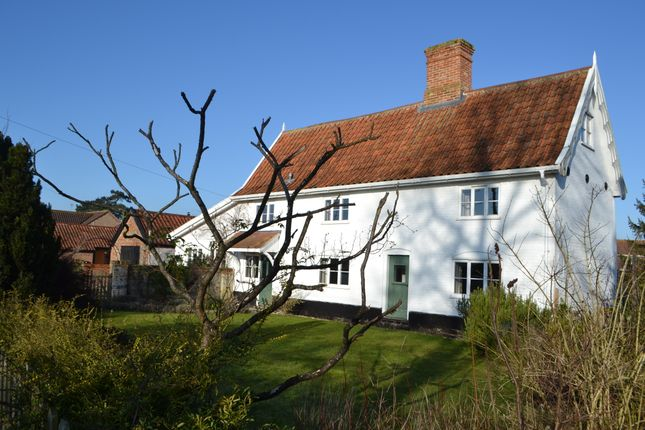 Thumbnail Detached house to rent in Church Road, Bungay