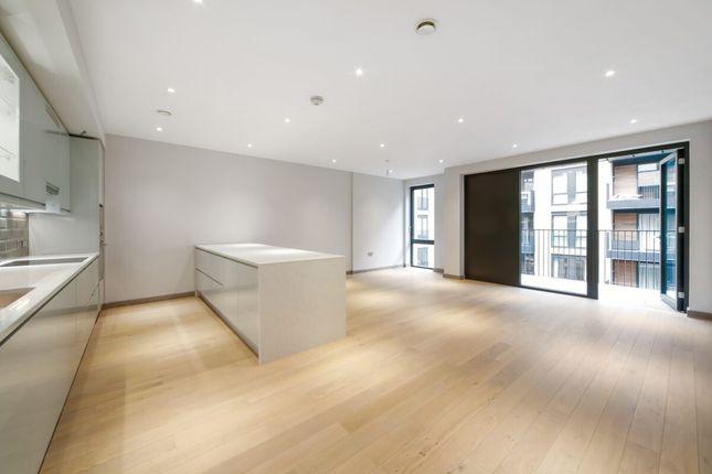 Thumbnail Flat to rent in Drapers Yard, London