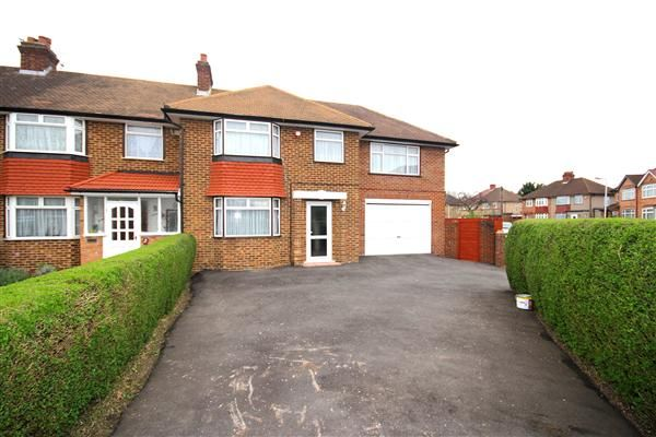 bed semi detached house to rent in harries road yeading hayes ub4