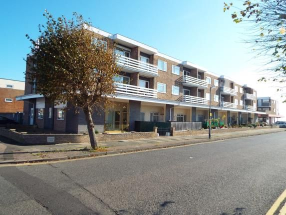Thumbnail Flat for sale in Kings Avenue, Clacton-On-Sea, Essex