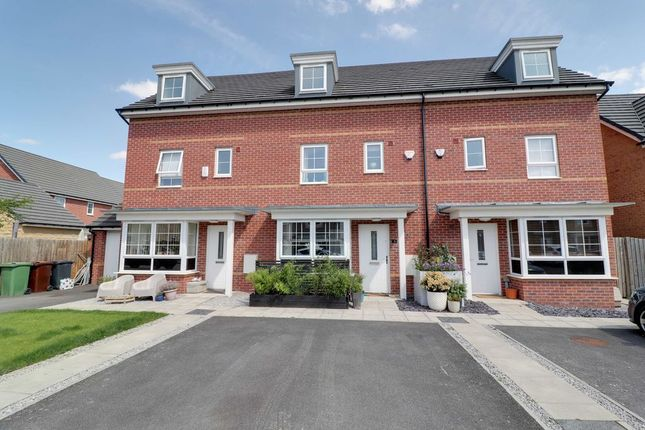4 bed town house for sale in Grace Causier Street, Methley, Leeds LS26