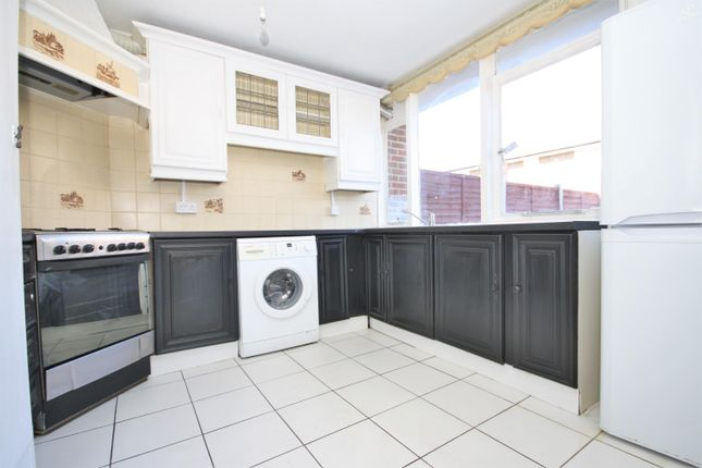 Thumbnail Terraced house to rent in Caletock Way, Greenwich